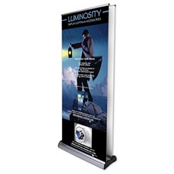 Advance banner stand